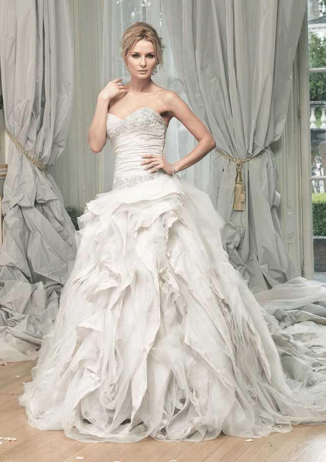 Ian Stuart Pracatan Go Bridal: Bridal Store Kent